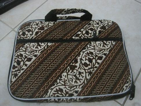 """Tas Laptop Kantong 12"""" (TLK12-01) Rp 33.000"""