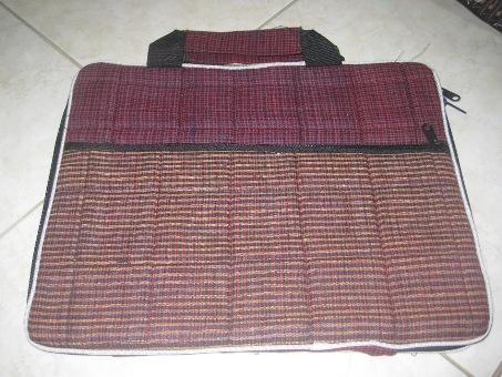 """Tas Laptop Lurik Kantong 14"""" (TLL14-02) Rp 34.000"""