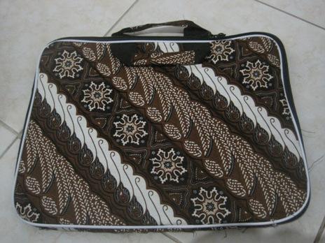 "Tas Laptop Polos 14"" (TLP14-02) Rp 33.000"