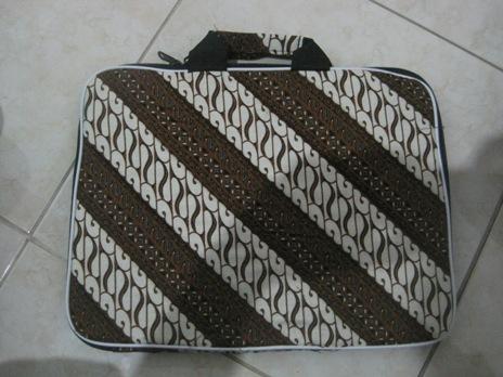 "Tas Laptop Polos 14"" (TLP14-03) Rp 33.000"