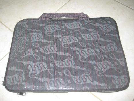 "Tas Laptop Plastik 14"" (TLPL14-02) Rp 38.000"